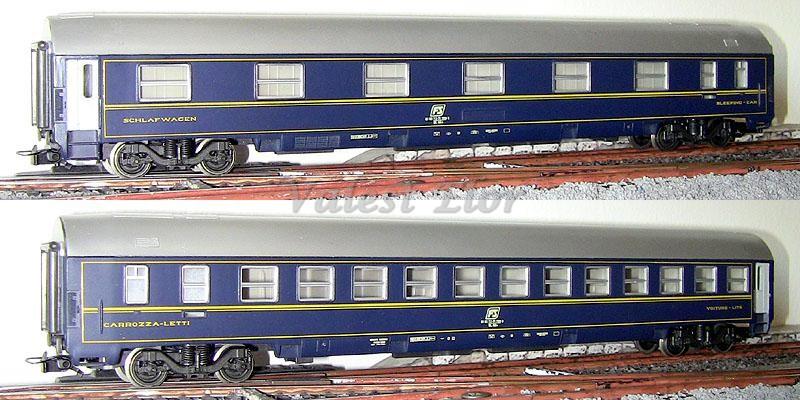 Carrozza MU 1981 FS art. 2595, lato corridoio (sopra) e lato scompartimenti (sotto)