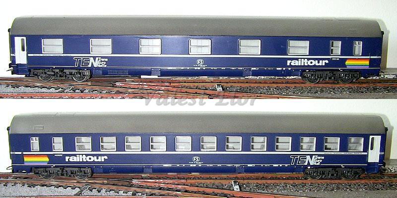 Carrozza MU FS con insegne Railtour art. 2456, lato corridoio (sopra) e lato scompartimenti (sotto)