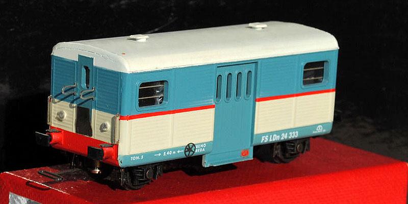 LDn 24 333 (art. 2028) in livrea beige-azzurro (foto da ebay)
