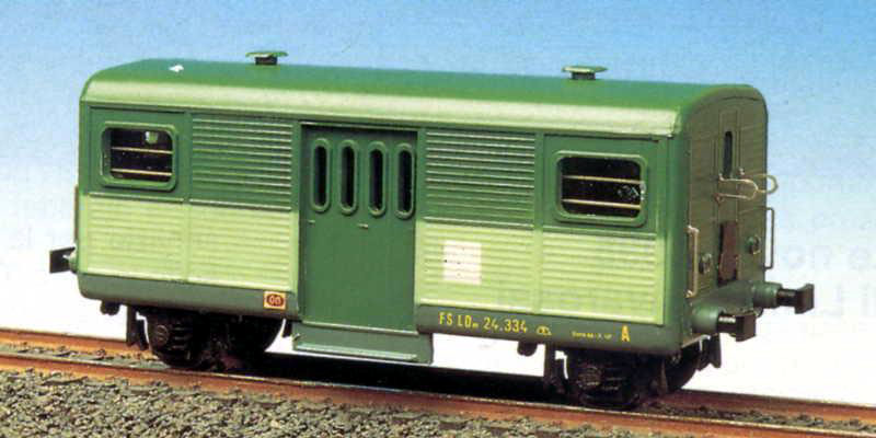 LDn 24 334 (art. 2027) in livrea a due toni di verde (foto © Mondo Ferroviario)