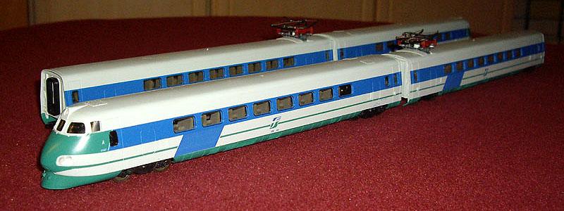 ETR 401 in livrea XMPR, art. 149793 (foto da alte-modellbahnen.xobor.de)
