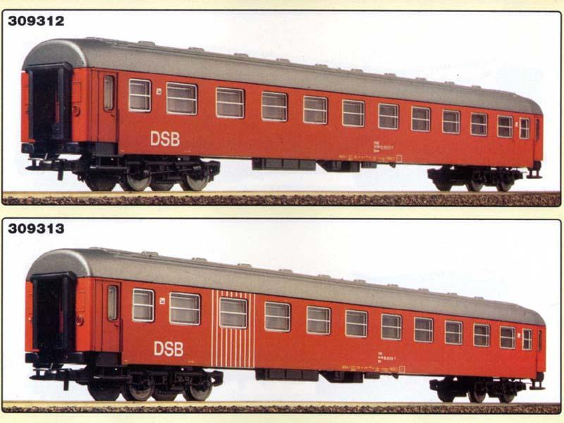 Carrozze UIC-Y DSB: sopra la 2ª classe ordinaria (art. 309312K), sotto la 2ª classe BK (art. 309313K) - foto da catalogo Lima 1994/95