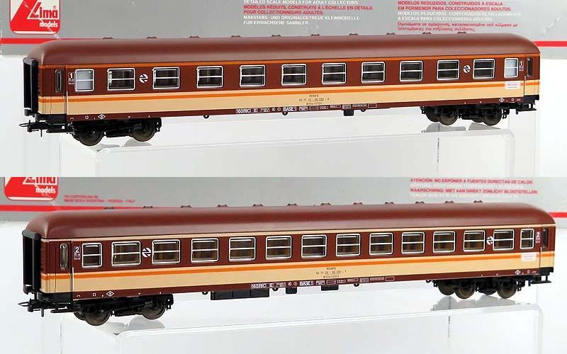 Carrozze UIC-X RENFE serie 8000: sopra la 1ª classe (art. 309598K), sotto la 2ª classe (art. 309599K) – foto da ebay