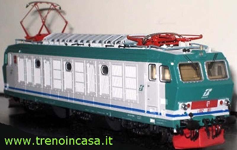 E652 001 prototipo (art. 1410) in livrea XMPR1 (foto da trenoincasa.it)