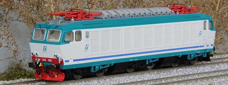 E652 005 prototipo (art. 2021) in livrea XMPR2 (foto da modelliniferroviari-wiki.info)