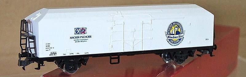 Carro DB con insegne della birra Hacker Pschorr, art. 2442 (foto da ebay)
