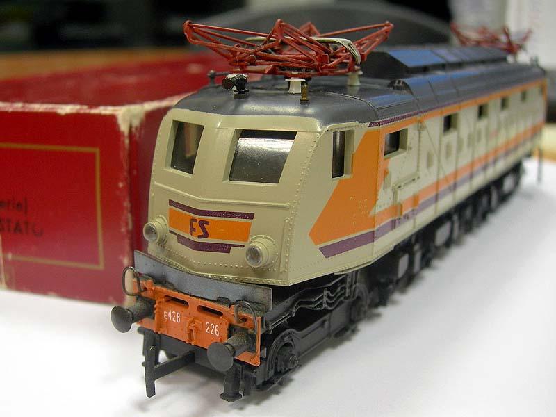 Il frontale della E428 226 (foto da ebay)