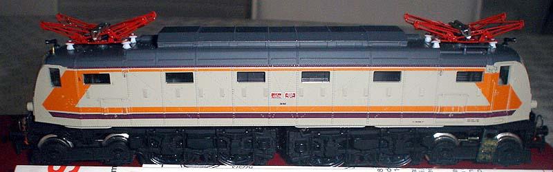 Il modello visto di fianco (foto da ebay)