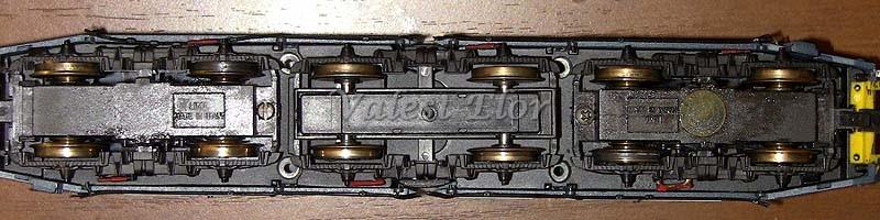 Una E656 Lima del 1992 vista da sotto: sono evidenti i 4 fori sul telaio, originariamente studiato per la E646