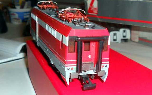 La testata posteriore della E454 002, art. 1400 - foto da ebay