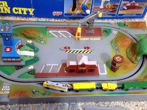 Micro Machines – accessori ferroviari e plastici
