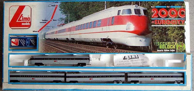 """Confezione con l'ETR 450 """"svizzero"""" (foto da alte-modellbahnen.xobor.de)"""