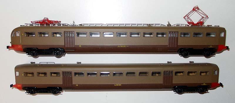 Fiancata sinistra delle ALe 883 001 (art. 2150) e Le 883 001 (art. 2155) - foto da ebay