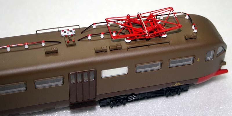 Particolare del tetto dell'ALe 883 in corrispondenza della testata anteriore - foto da ebay