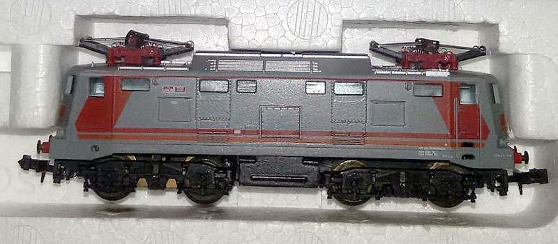 L'altra fiancata della E424 292 in scala N, art. 220230 - foto da ebay