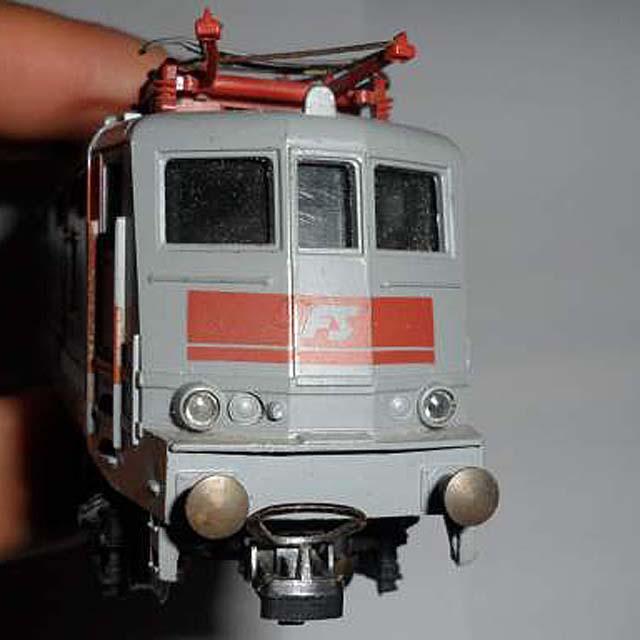 La E424 292 in versione semplificata - foto da ebay