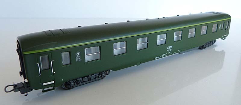 Carrozza di 2ª classe verde, art. 309102 - foto da ebay