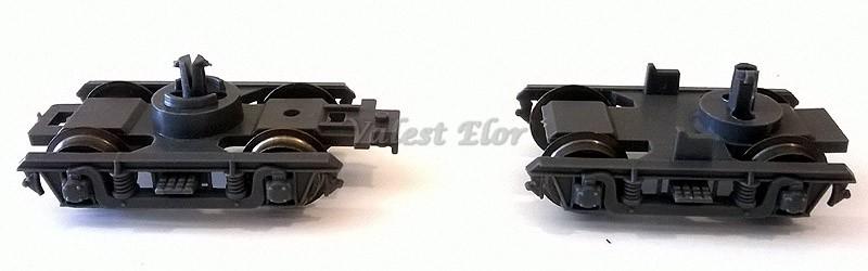 Carrelli tip Y16 a confronto: a destra quello con perno decentrato che equipaggia le carrozze con timoni di allontanamento