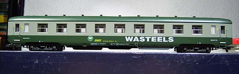 """Carrozza cuccette Euroscale verde-grigio con insegne """"Wasteels"""", art. 8710 - foto forum.e-train.fr"""