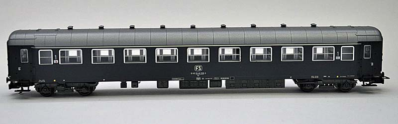 Carrozza di 1ª classe grigio ardesia, art. 2465 - foto da ebay