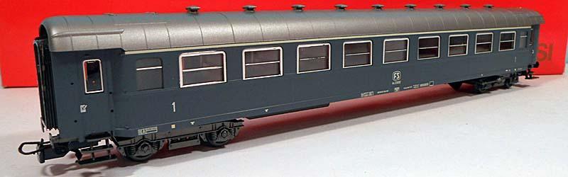 Carrozza di 1ª classe grigio ardesia con marcatura FS, art. 3588 – foto da ebay