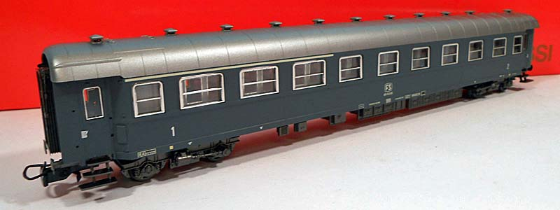Carrozza mista di 1ª e 2ª classe grigio ardesia con marcatura FS, art. 3591 - foto da ebay