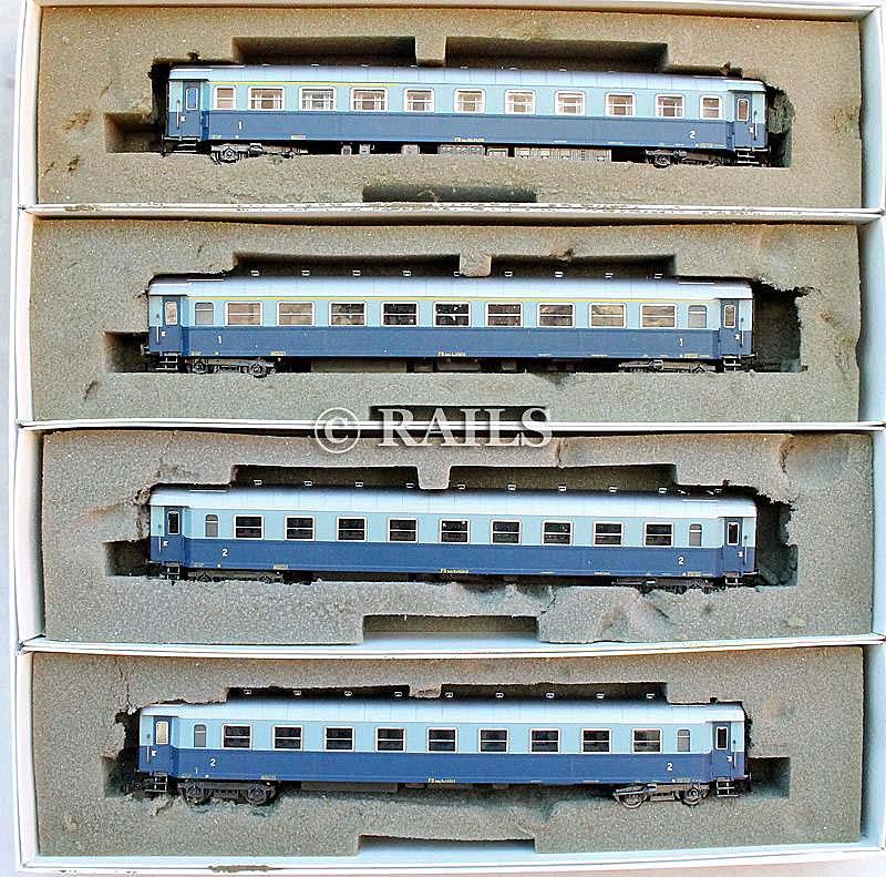 """Confezione di 4 carrozze in livrea """"Treno Azzurro"""", art. 5301 - foto da ebay"""
