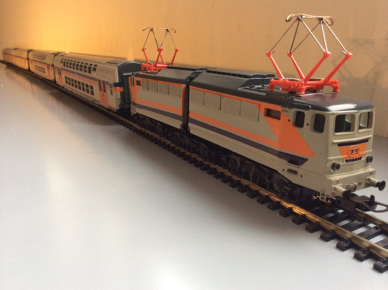 """E646 navetta """"versione beta"""" - foto da alte-modellbahnen.xobor.de"""