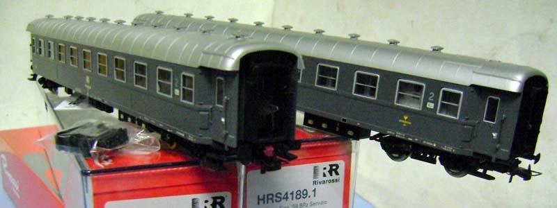 Confezione HRS4189 con due carrozze grigio ardesia di 2ª classe di cui una con posto ristoro - foto da ebay