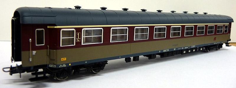 Carrozza di 1ª classe rosso fegato-grigio beige, art. HR4110 - foto da minimondo2002.it