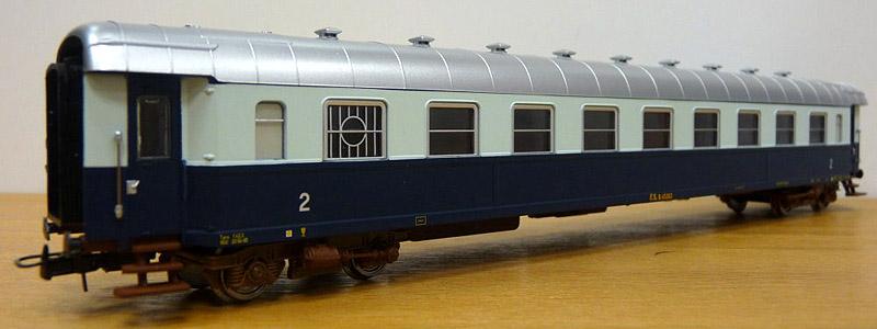 Carrozza di 2ª classe con posto ristoro in livrea Treno Azzurro, art. HR4098 - foto da minimondo2002.it