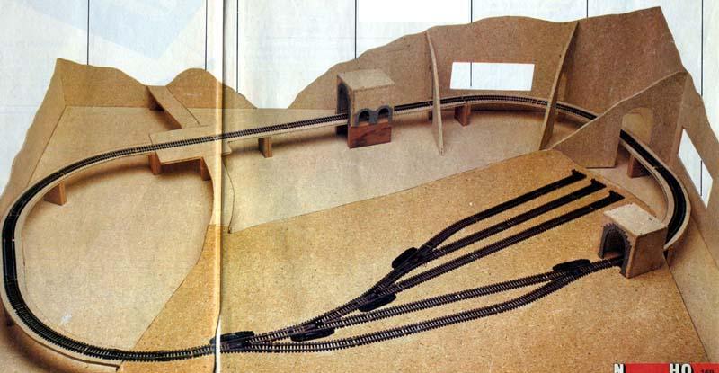La struttura del plastico in fase di costruzione - foto da catalogo Lima 1985/86