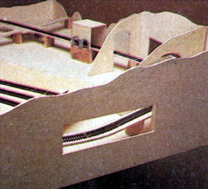 Scorcio del plastico in fase di costruzione - foto da catalogo Lima 1985/86