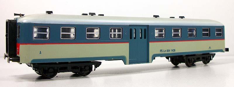 Ln 664 1428 in livrea beige-azzurro, fiancata sinistra - foto da ebay