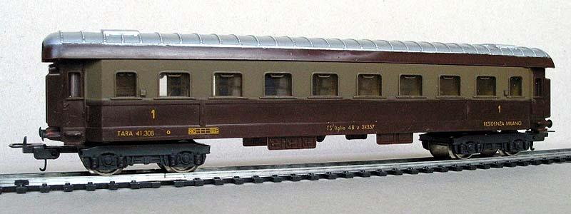 Carrozza FS art. 9101 con nuovi carrelli e arredo interno - foto da lima-tribute.it