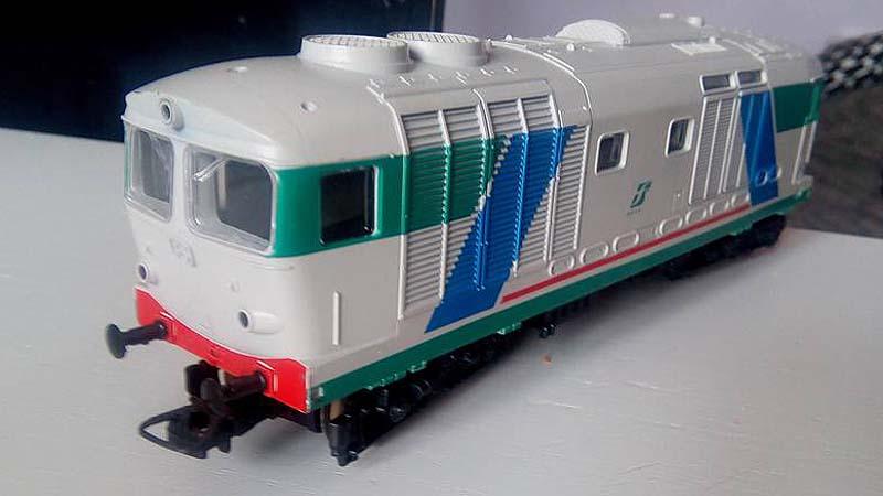 """D445 semplificata in livrea XMPR - foto da pagina Facebook """"Lima Trenini Elettrici"""""""