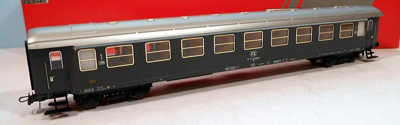 """Carrozza """"tipo 1946T"""" in livrea grigio ardesia, art. 50250 - foto da ebay"""