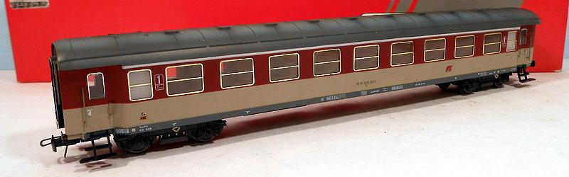 """Carrozza """"tipo 1946T"""" in livrea rosso fegato-grigio beige, art. 50251 - foto da ebay"""