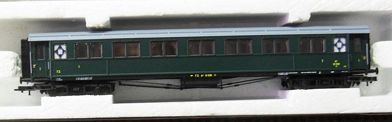 Carrozza serie 10.000 di 1ª classe in livrea verde, art. 44708 - foto da ebay