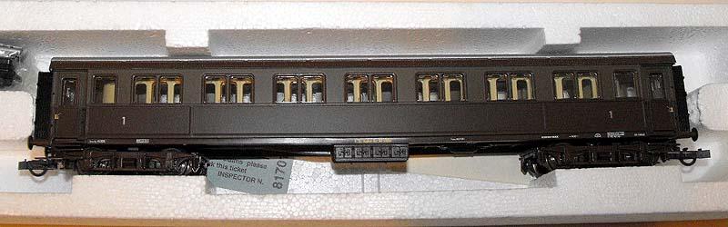 Carrozza serie 10.000 di 1ª classe in livrea castano-isabella, art. 44709 - foto da ebay