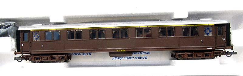 Carrozza serie 10.000 di 1ª classe in livrea castano, art. 44712 - foto da ebay