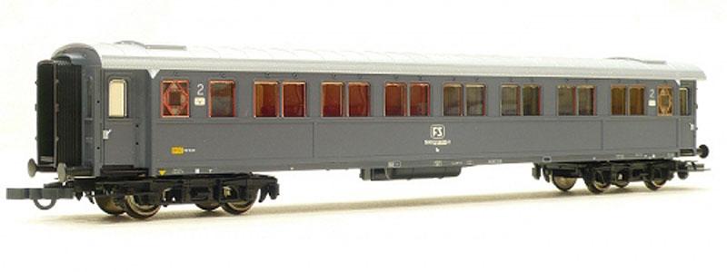 Carrozza serie 50.100 di 2ª classe in livrea grigio ardesia, art. 45548 - foto da lineasecondaria.it