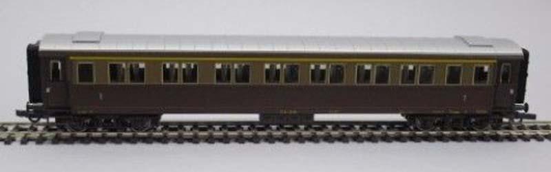 Carrozza serie 50.100 di 1ª classe in livrea castano-isabella, art. 45551 - foto da ebay