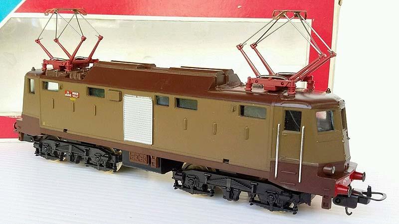 E424 143 di produzione anni '80 (art. 208022L), con finitura migliorata - foto da ebay