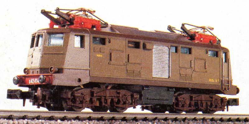 E424 143 in scala N di produzione anni '80 (art. 220202) - foto da catalogo Lima 1985/86