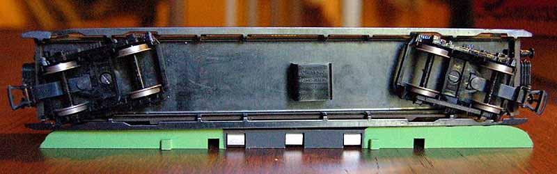 Carrozza V Cz vista da sotto - foto da ebay