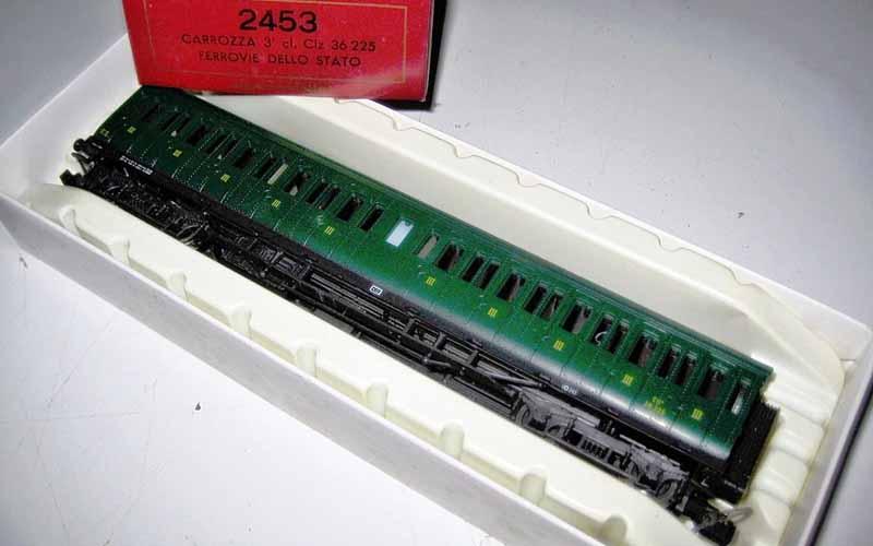 Carrozza CIz 36.225, art. 2453, in livrea verde vagone - foto da ebay