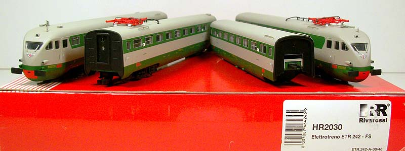 L'ETR242 prodotto con marchio Rivarossi - art. HR2030