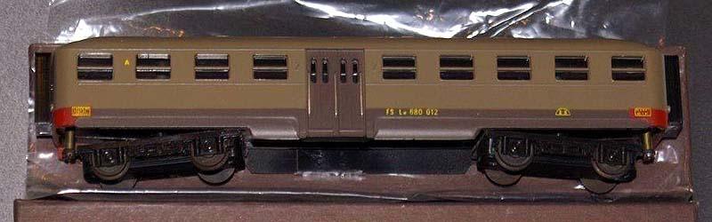"""Le 680 012 (art. 3032), modello della prima produzione con finestrini di vecchio tipo - foto da da pagina Facebook """"GT Modelli"""""""
