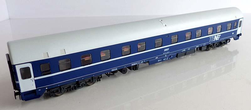 Carrozza UH SNCF 64 87 71-71 781-2 (art. 44840) - foto da ebay